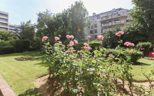 Paris 18e - 4 Pièces vue dégagée sur jardin - balcon