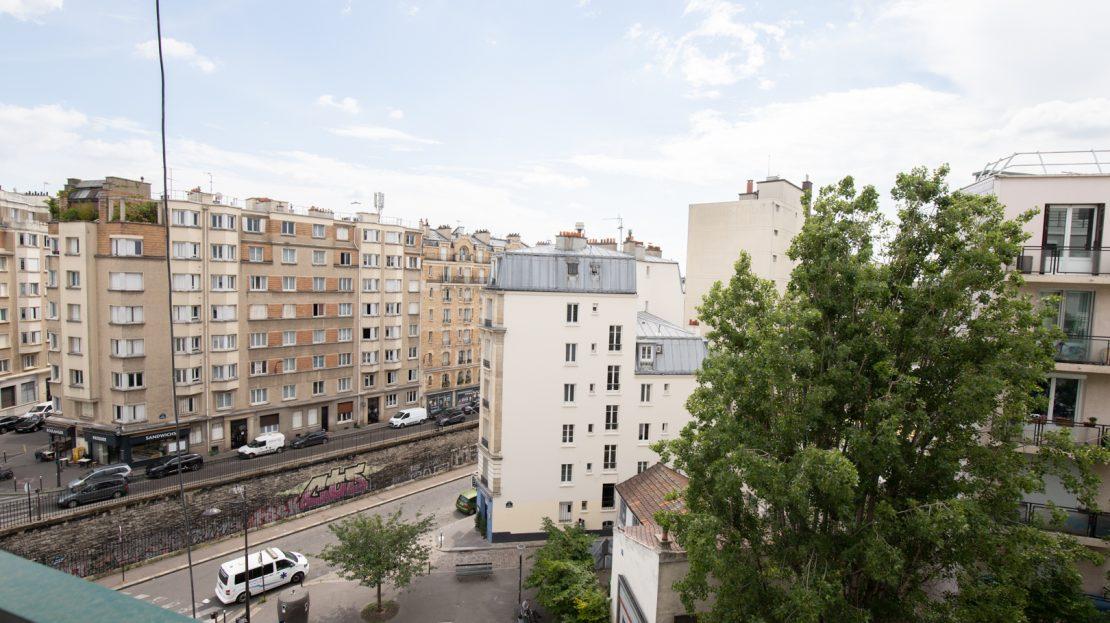PARIS 18e - 4 pièces étage élevé avec ascenseur